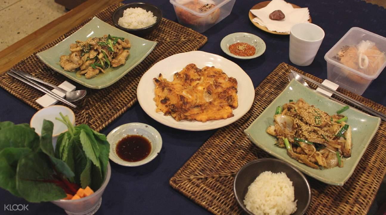 Korean food accompaniments